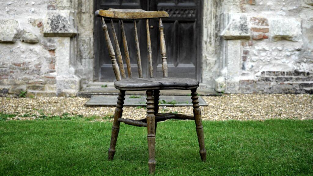 Start Antique Refurbishing to Make Extra Money on the Side