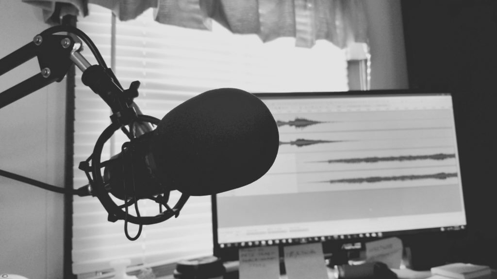 Start a Podcast and Share Inspiring Stories to Make Money on the Internet