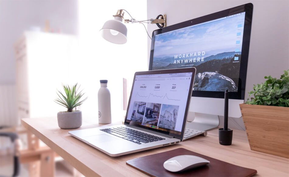 10 Blog Layout Best Practices to Follow (Stock Image of a Blog)