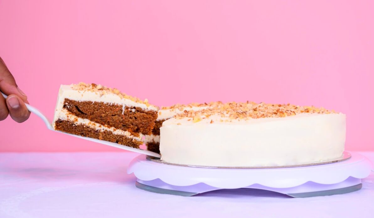 Tips for Landing a Blogigng Job This Year (Piece of Cake Stock Image)